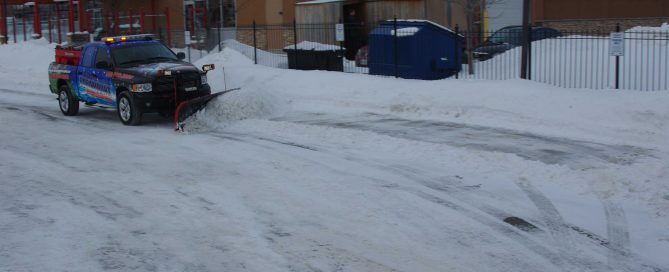 5 Crucial Things to Look for When Hiring a Snow Removal Company