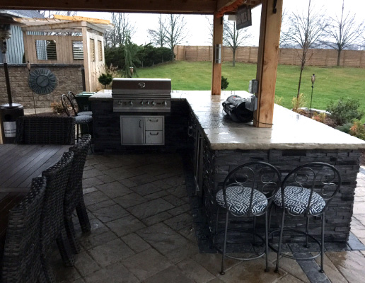 Outdoor Kitchen Contractor in Hamilton