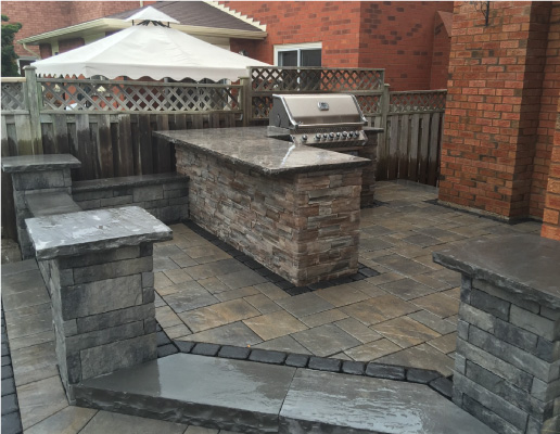 Outdoor Kitchen Contractor in Oakville
