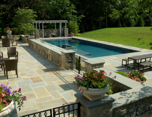Pool & Hot Tub Contractor in Oakville
