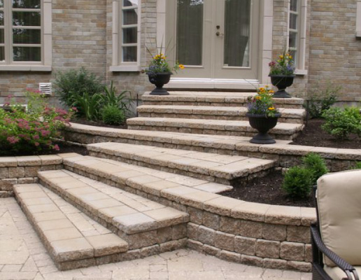 Retaining wall contractor in Hamilton Greater Toronto Area
